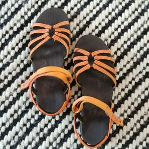 Cute EUC Teva Sandals